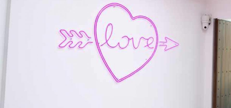 Neon Love Heart 2
